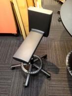 プラス見学-4椅子